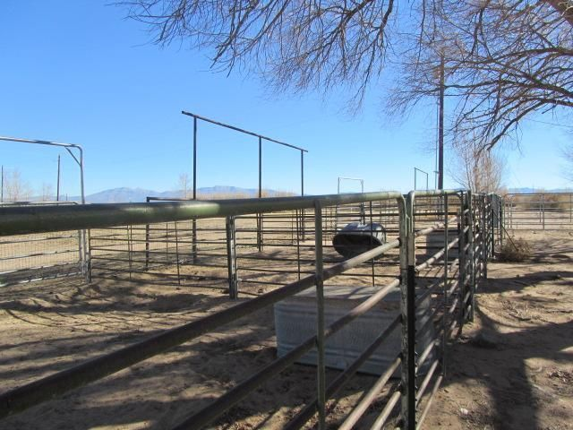 Sandhill Road, Los Lunas, NM 87031