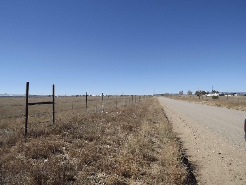 Thompson Road, Moriarty, NM 87035