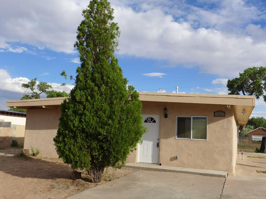 1708 VAN Court SW, Albuquerque, NM 87105