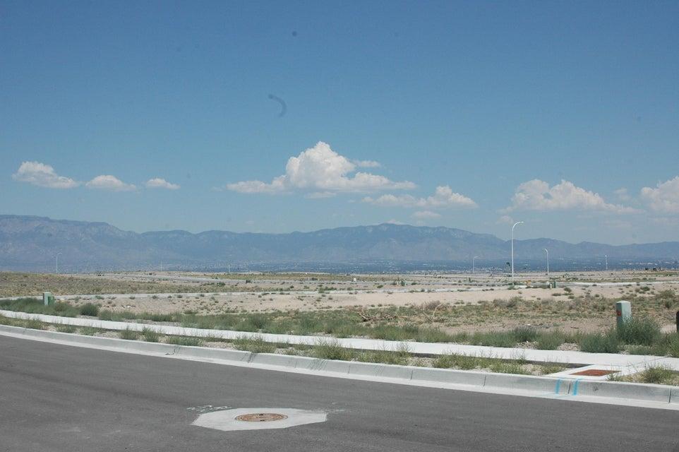 Petirrojo(L2,B2,U18,VC) NW, Albuquerque, NM 87120