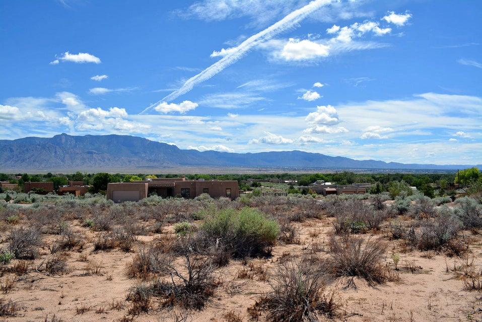 000 Valle Vista, Corrales, NM 87048