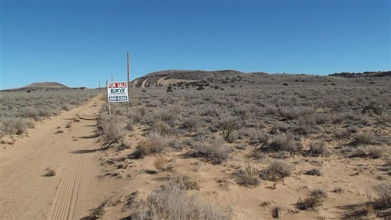SW LOPEZ Lane, Los Lunas, NM 87031