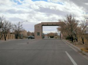 Calle De Silverio SW, Los Lunas, NM 87031