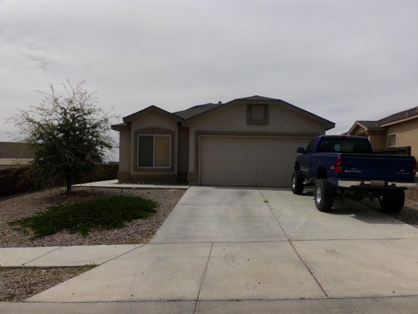 15 Avenida Jardin, Los Lunas, NM 87031