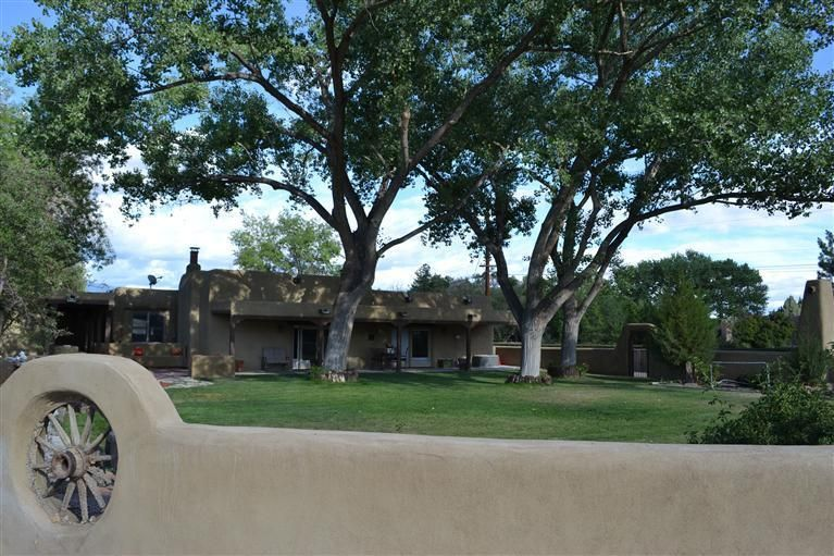 6769 GUADALUPE Trail NW, Los Ranchos, NM 87107