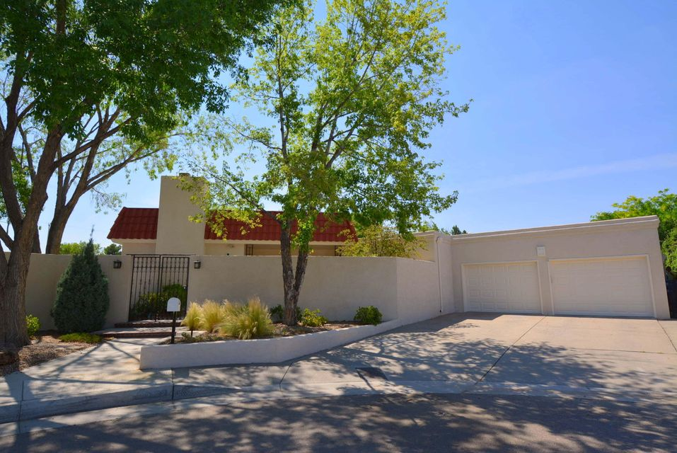 3132 La Ronda Place, Albuquerque, NM 87110