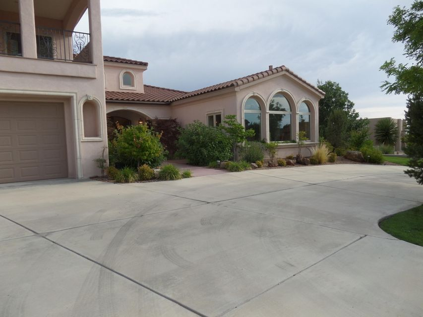 8804 INDIAN GOLD Place NE, Albuquerque, NM 87122