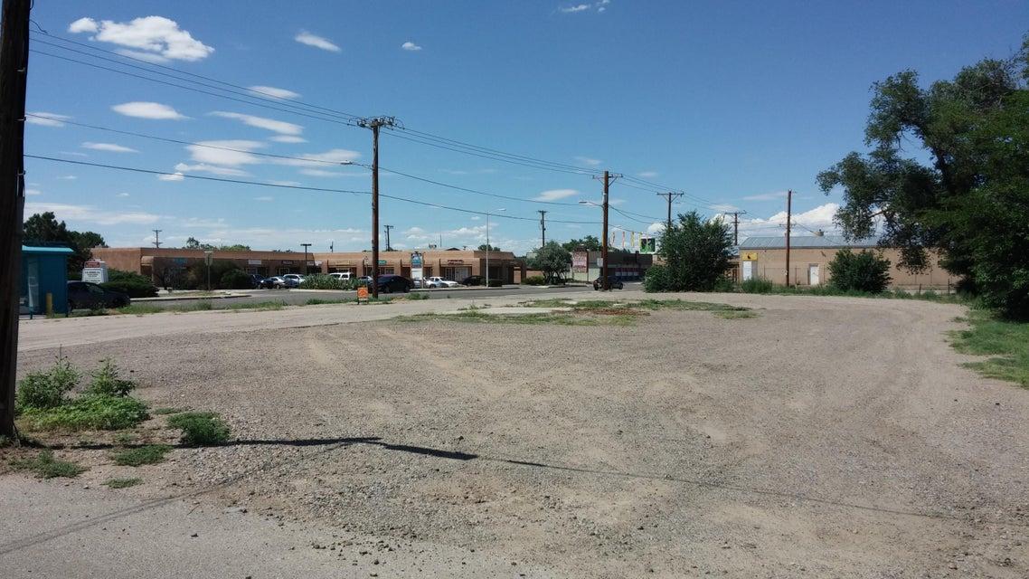 6502 4TH Street NW, Los Ranchos, NM 87107
