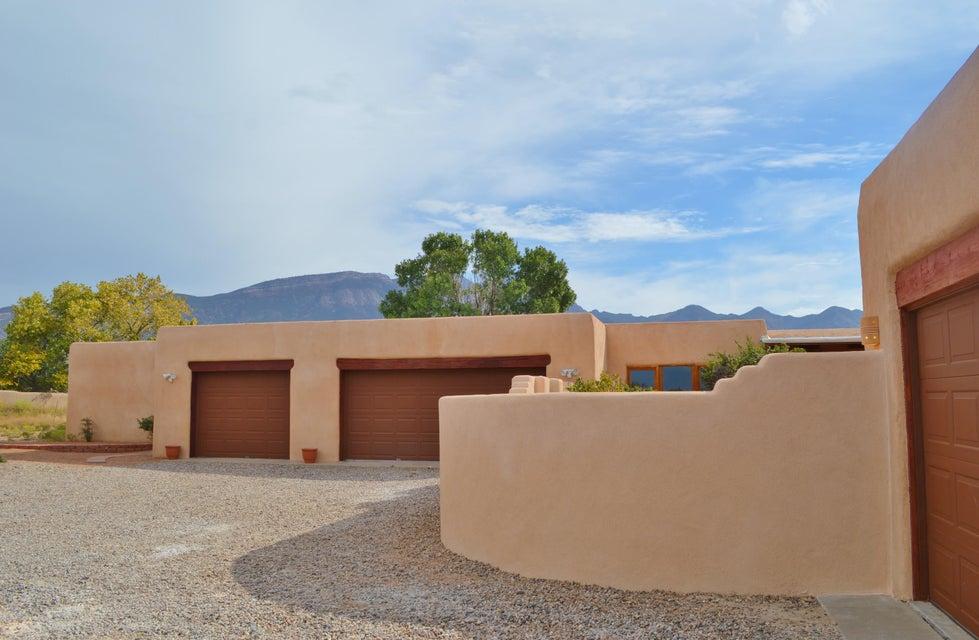 10 Tierra Madre Court, Placitas, NM 87043