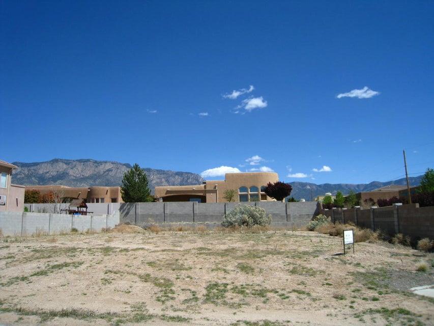 8200 GRAPE VIEW Court NE, Albuquerque, NM 87122