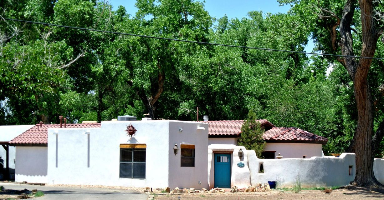 6821 RIO GRANDE Boulevard NW, Los Ranchos, NM 87107