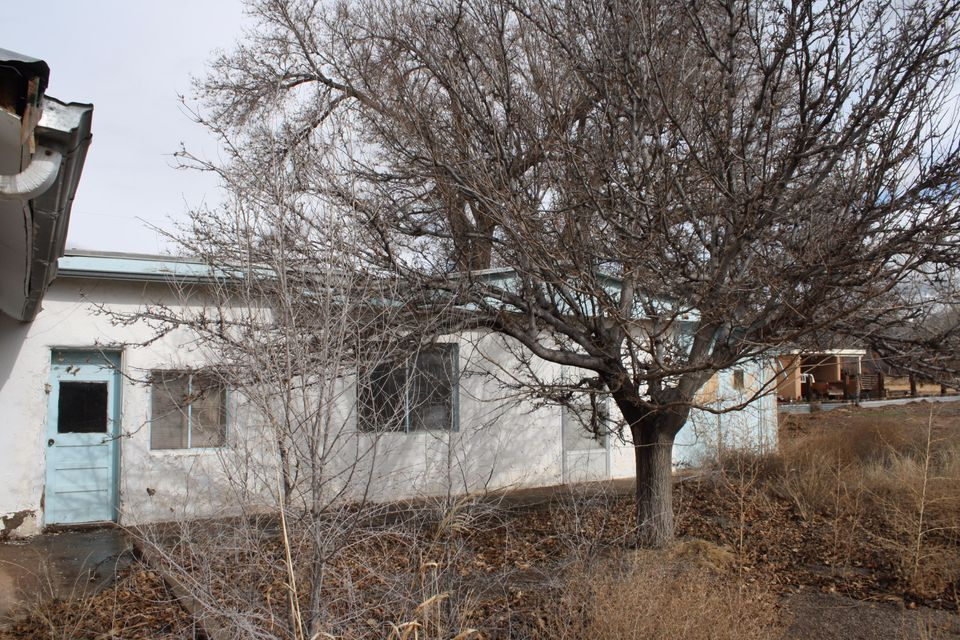 5788 Corrales Road, Corrales, NM 87048