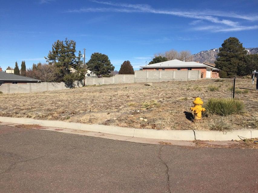 4701 GLENWOOD HILLS Drive NE, Albuquerque, NM 87111