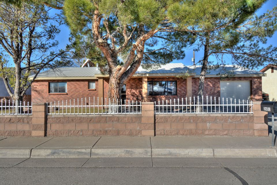 2601 HURLEY Drive NW, Albuquerque, NM 87120