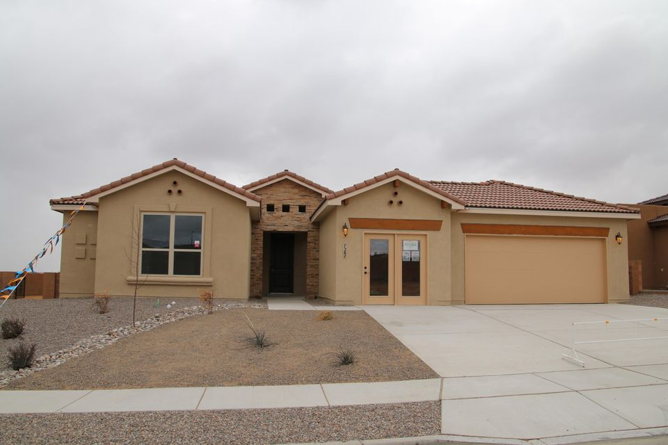 728 Tiwa Lane NE, Rio Rancho, NM 87124