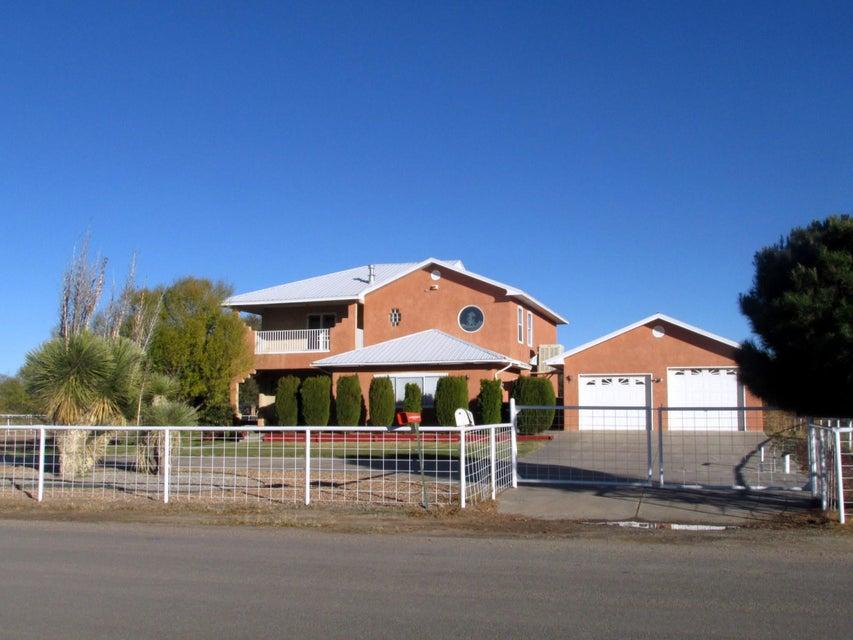 22 Bloom N Shine Road, Los Lunas, NM 87031