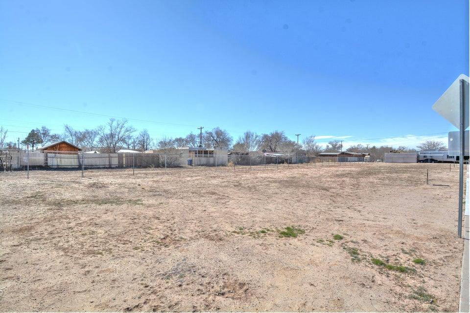Lot 4 Edna Avenue NW, Albuquerque, NM 87104