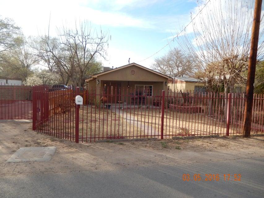 1841 La Vega Drive, Albuquerque, NM 87105