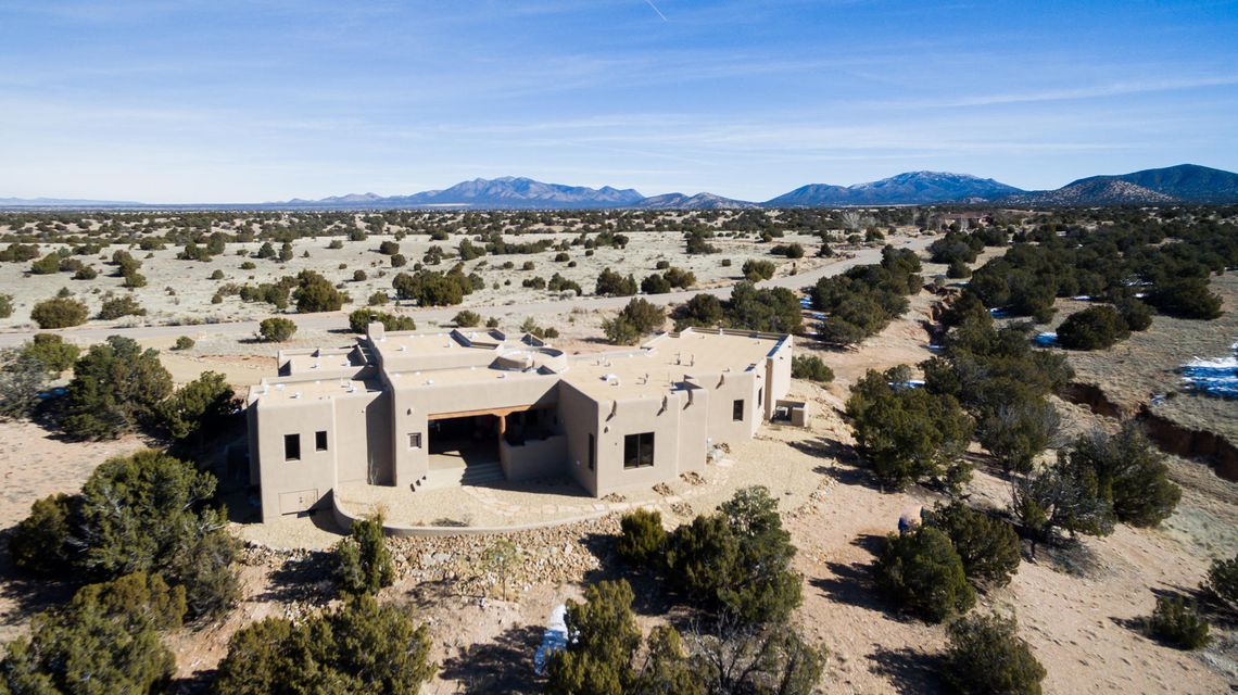 2-C Jack Rabbit Run, Tijeras, NM 87059