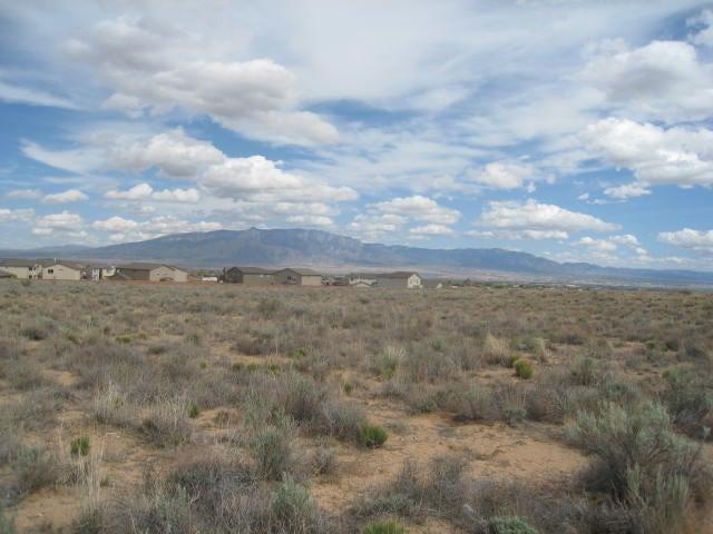 116 8th Street NE, Rio Rancho, NM 87124