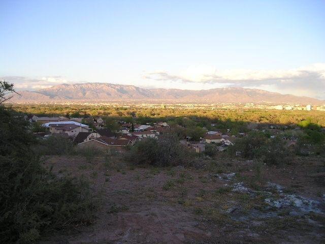 534 La Bajada Court NW, Albuquerque, NM 87105