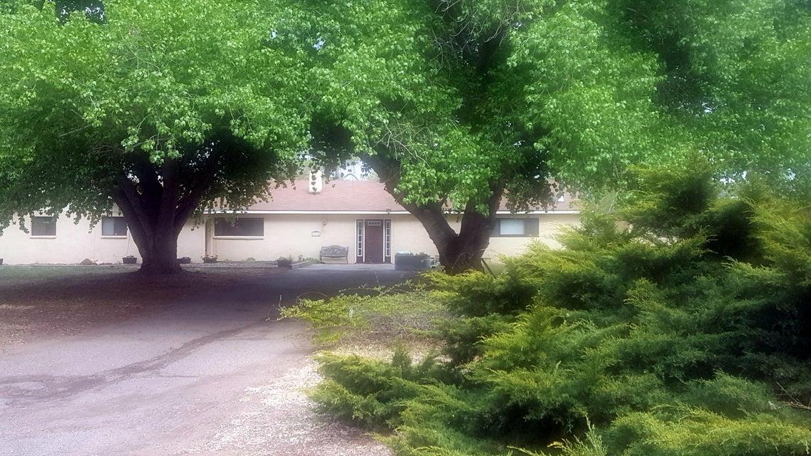 6114 Alvis Circle SW, Albuquerque, NM 87105