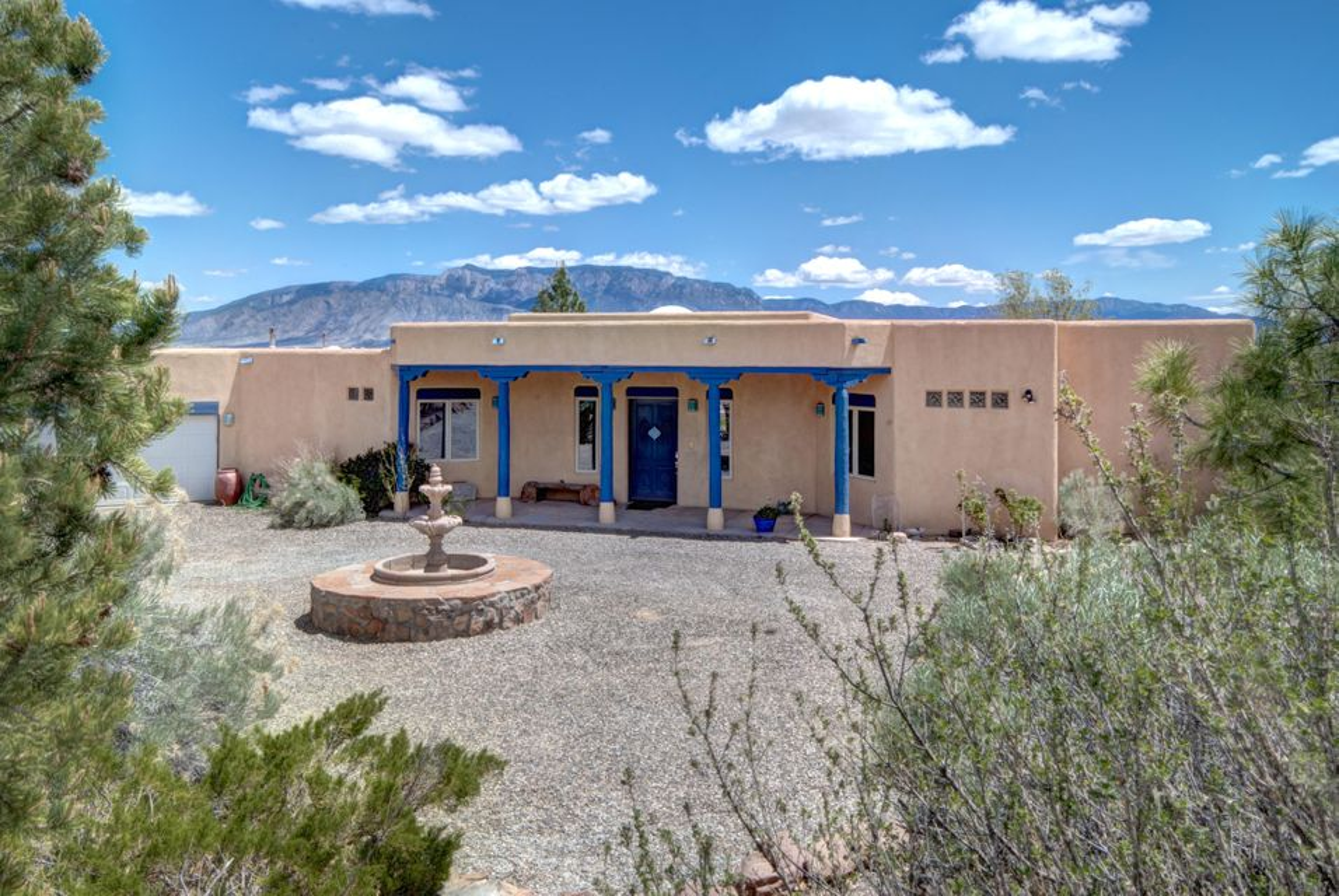 520 Cielo Azul Road, Corrales, NM 87048