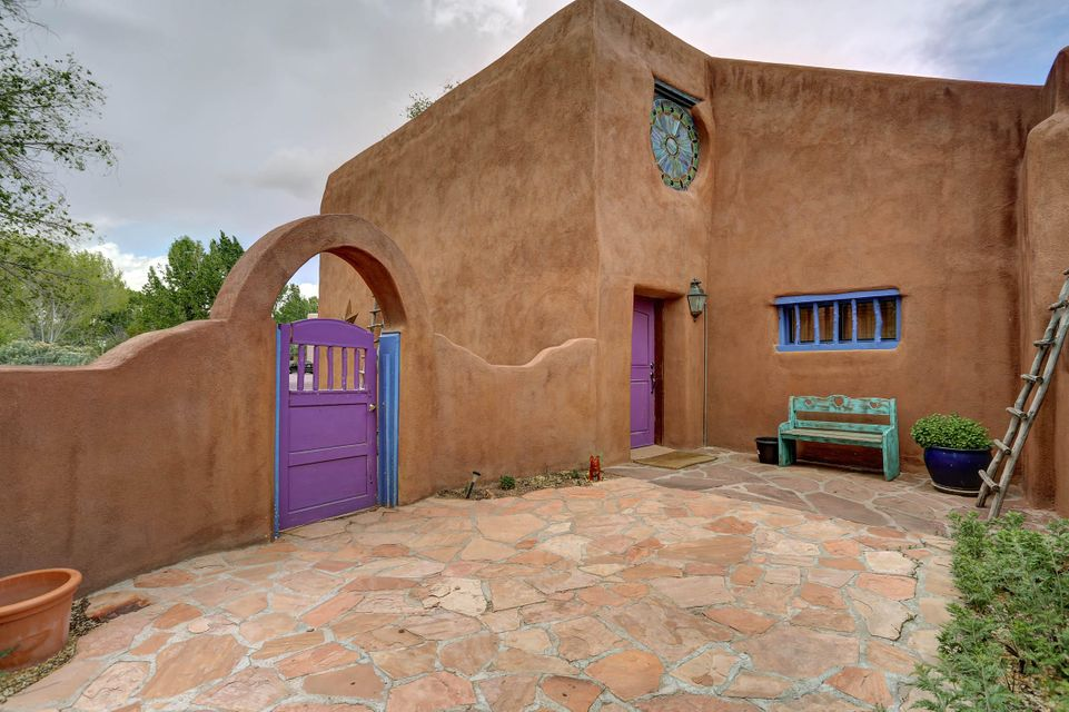 250 MOONGATE Road, Corrales, NM 87048