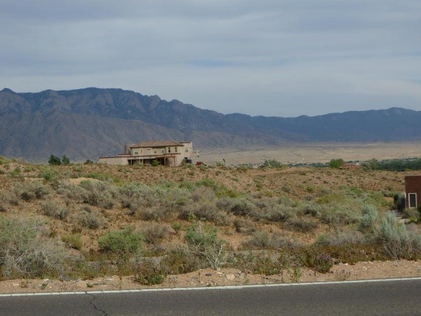 1411 Saratoga Drive NE, Rio Rancho, NM 87144
