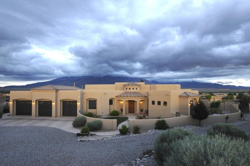 515 Albino Road, Corrales, NM 87048