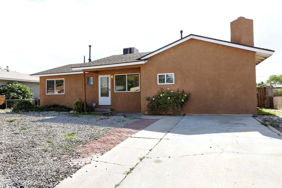 1517 Altez,Albuquerque,New Mexico,United States 87112,3 Bedrooms Bedrooms,1 BathroomBathrooms,Residential,Altez,867074