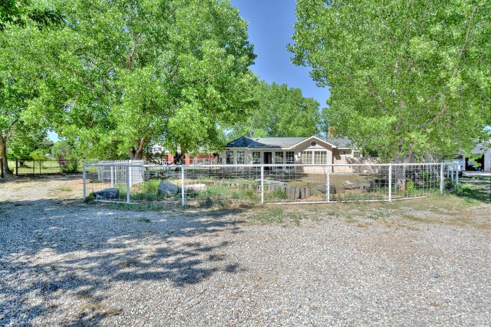 48 Hob Road, Los Lunas, NM 87031