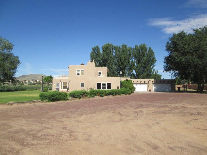 227 Sichler Road SW, Los Lunas, NM 87031