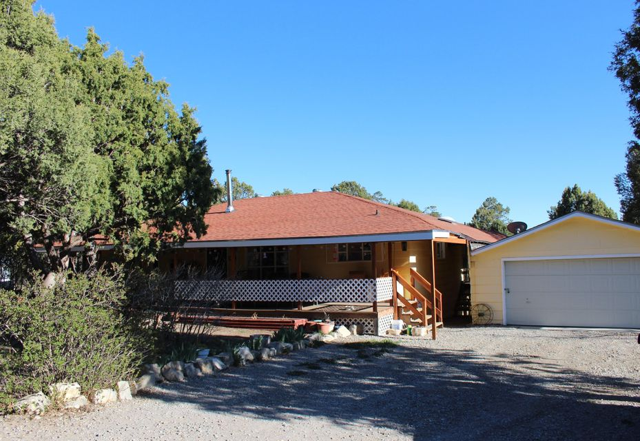17 Cardinal Drive, Tijeras, NM 87059