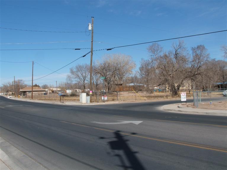 700 LOS LENTES Road NE, Los Lunas, NM 87031