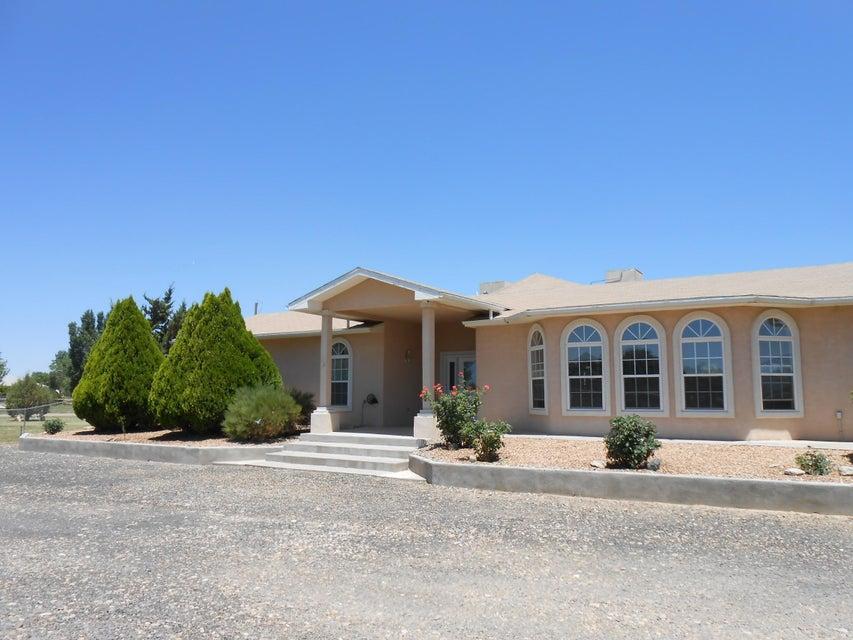 18 Camino Manzana, Peralta, NM 87042