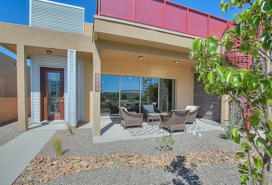 5755 UNIVERSITY Boulevard SE, Albuquerque, NM 87105