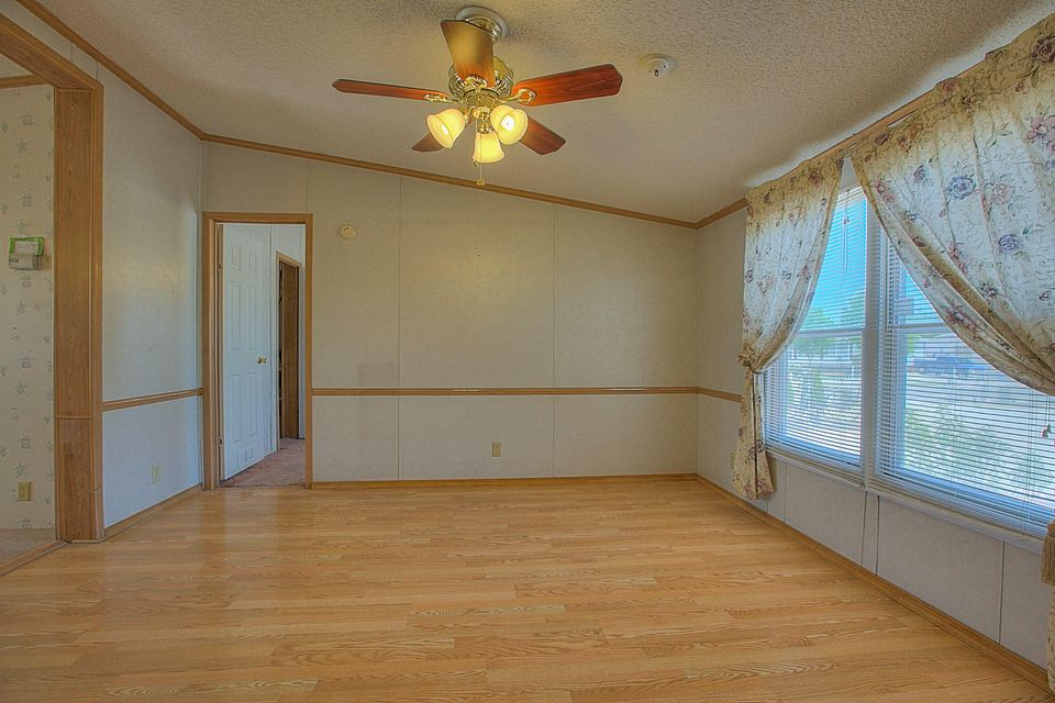 511 Rosie G Otero Road SW, Los Lunas, NM 87031