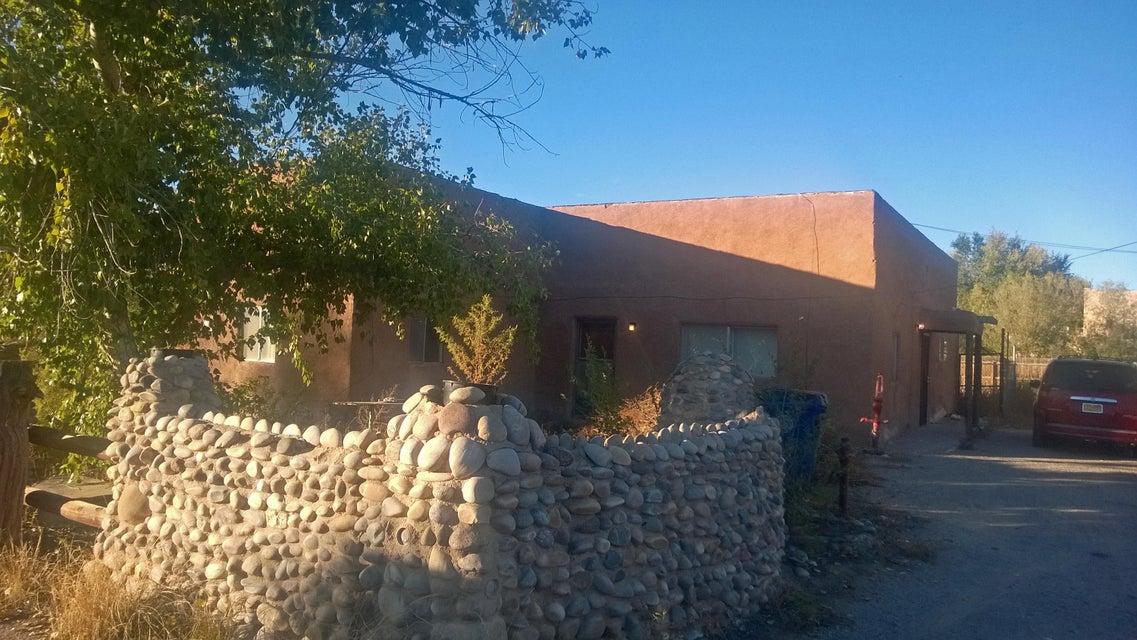 1825 Patrick Place NW, Albuquerque, NM 87107