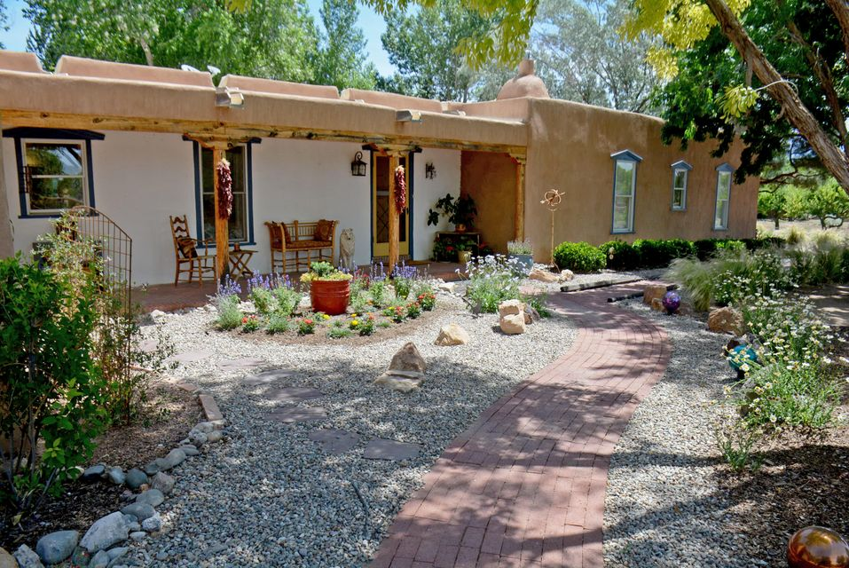 764 Applewood Road, Corrales, NM 87048