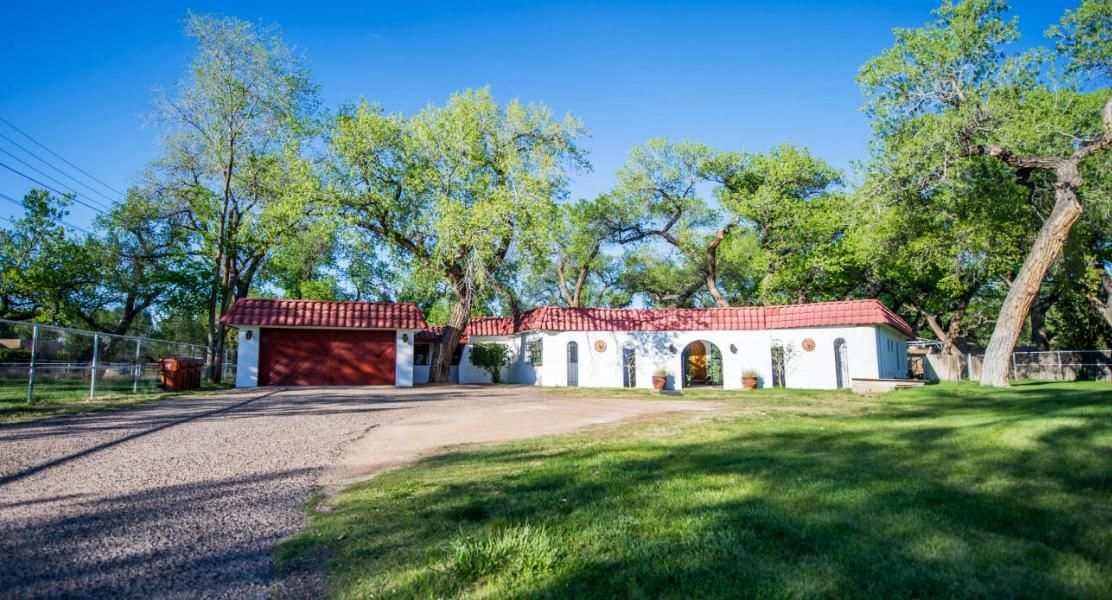 211 E Meadowlark Lane, Corrales, NM 87048