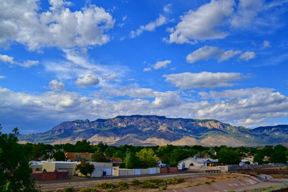 8905 Osuna,Albuquerque,New Mexico,United States 87111,3 Bedrooms Bedrooms,3 BathroomsBathrooms,Residential,Osuna,869890