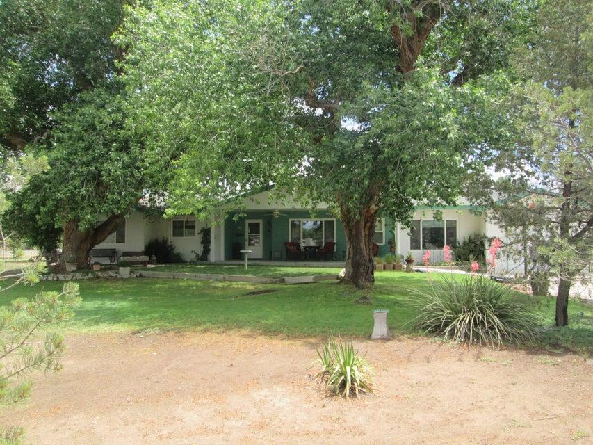 36 Clarences Road, Los Lunas, NM 87031