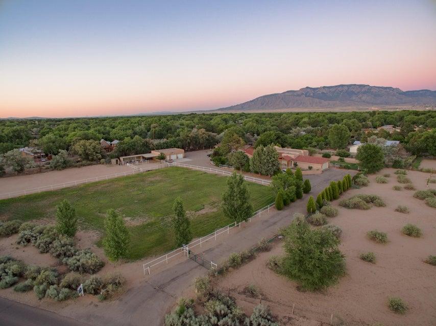 248 El Camino Campo Drive, Corrales, NM 87048