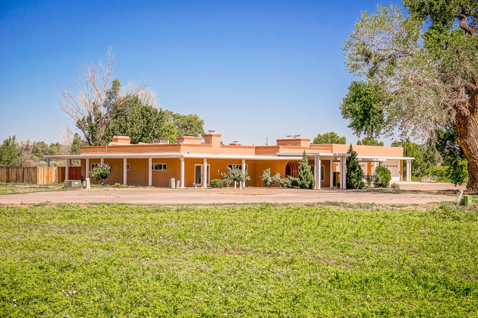 7227 Corrales Road, Corrales, NM 87048
