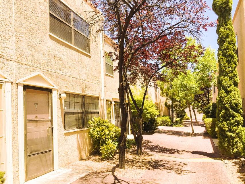 6041 Sequoia Road NW D6, Albuquerque, NM 87120