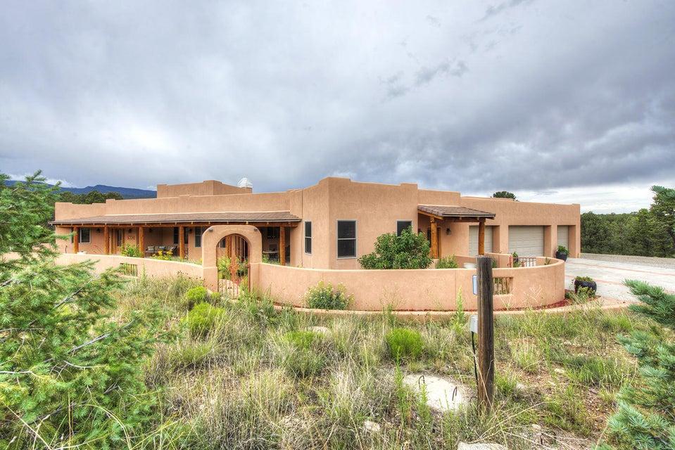 6 Nizhoni Court, Sandia Park, NM 87047