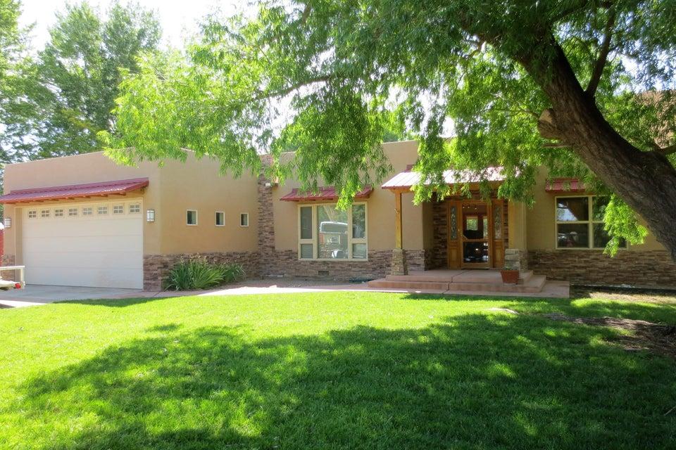10012 Loretta Drive NW, Albuquerque, NM 87114