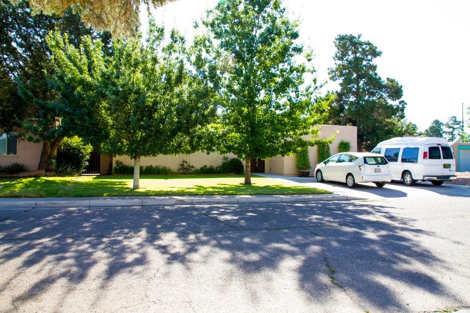 1844 Lester Drive NE, Albuquerque, NM 87112