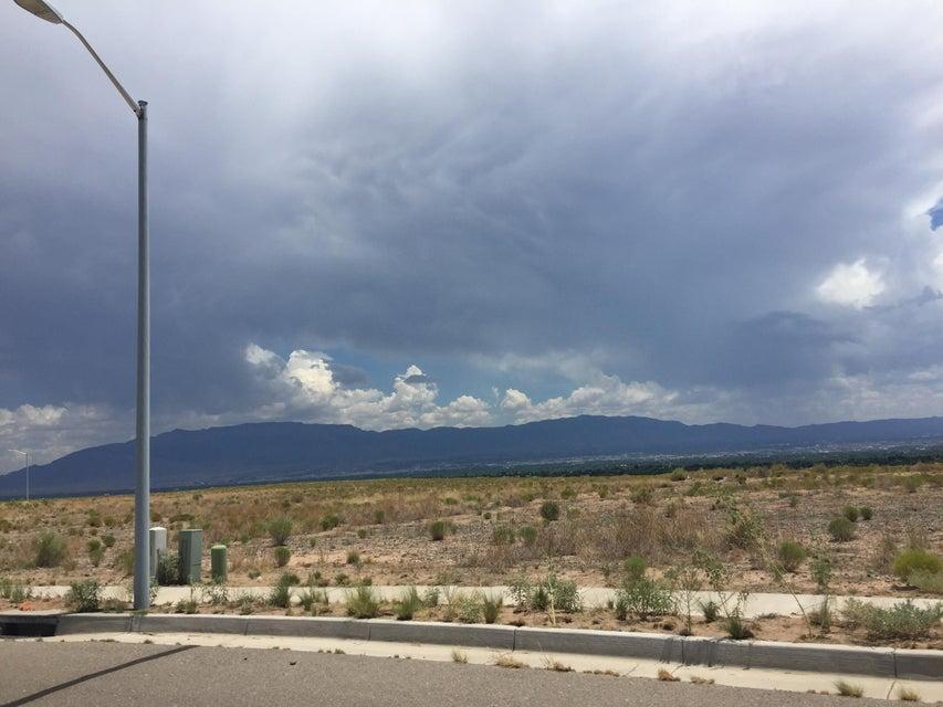8035 Casa Blanca Drive NW, Albuquerque, NM 87120